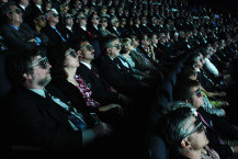 800px-Viewing_3D_IMAX_clips